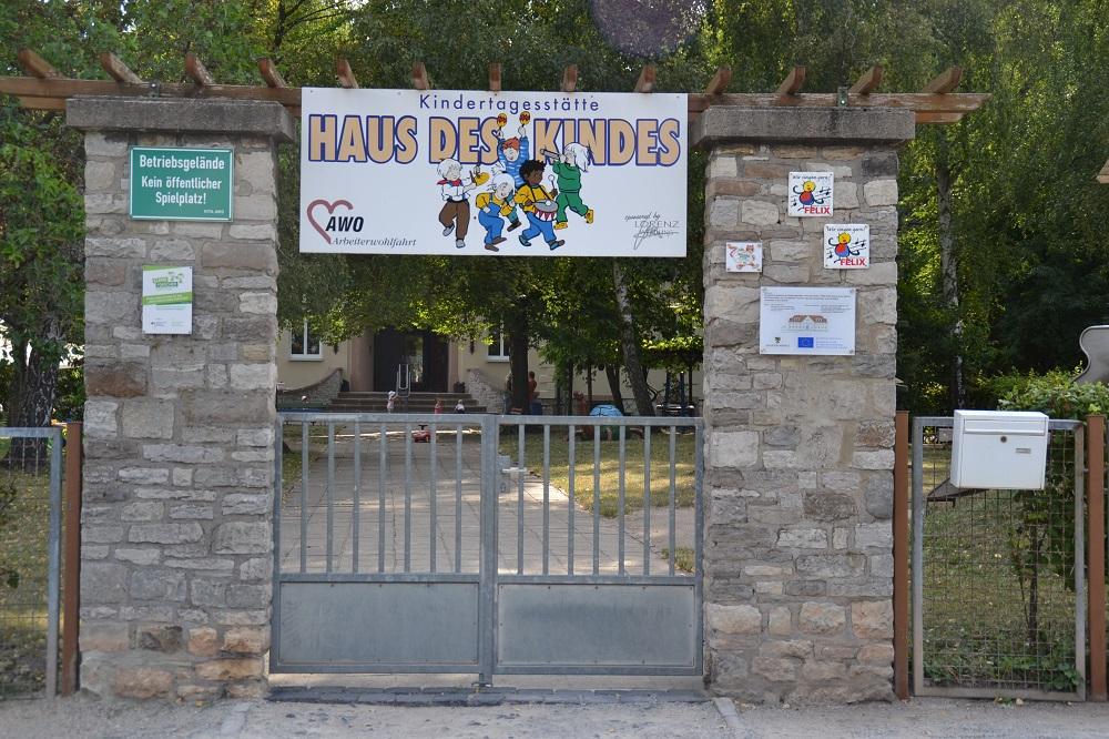 Vorderansicht Kita Haus des Kindes