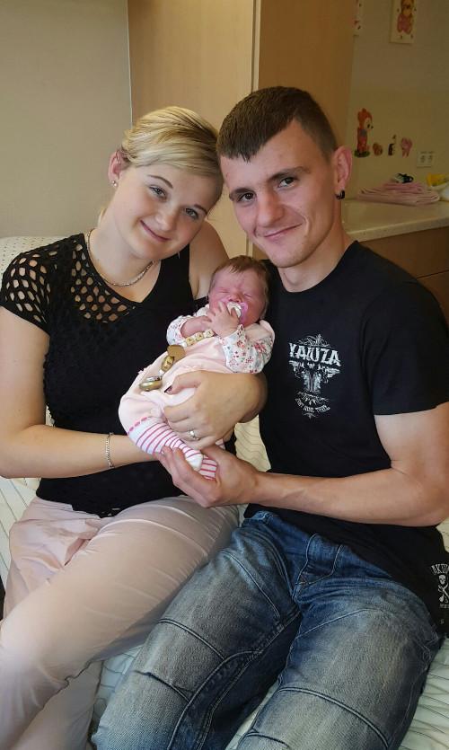 Baby Kate mit den Eltern Anna Breitmeier und Stephan Birnbaum
